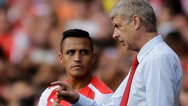 Quan hệ giữa Wenger và Sanchez bị đồn đã rạn nứt